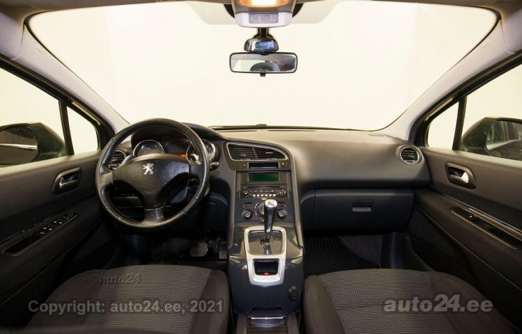 By used Peugeot 5008 1.6  80 kW  color  for Sale in Tallinn