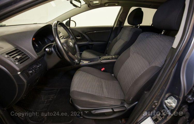 Osta kasutatud Toyota Avensis 2.2  110 kW  värv  Tallinnas