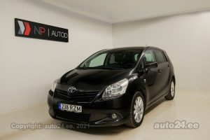By used Toyota Verso Break ATM 2.2  110 kW 2011 color black for Sale in Tallinn