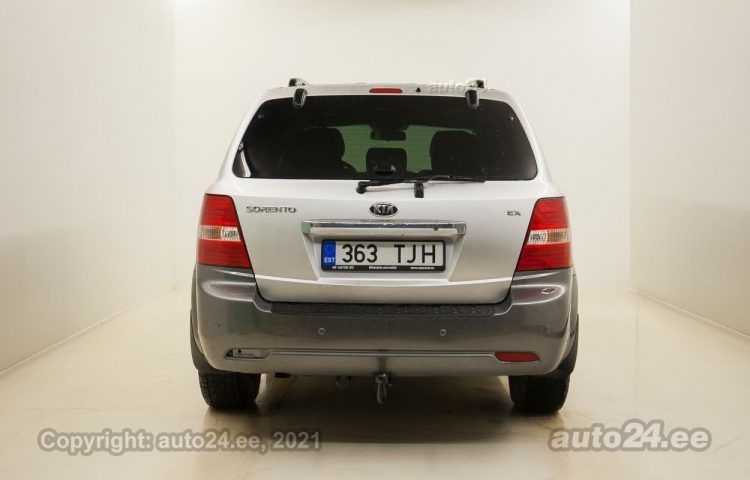 Купить б.у Kia Sorento Executive Edition 3.3  182 kW  цвет  года в Таллине