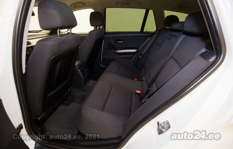 Osta kasutatud BMW 318 Touring Shadowline 2.0  105 kW  värv  Tallinnas