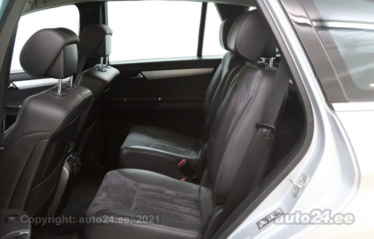 By used Mercedes-Benz R 320 3.0  165 kW  color  for Sale in Tallinn