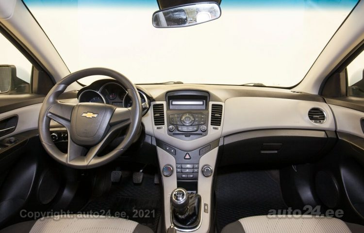 By used Chevrolet Cruze 1.6  91 kW  color  for Sale in Tallinn