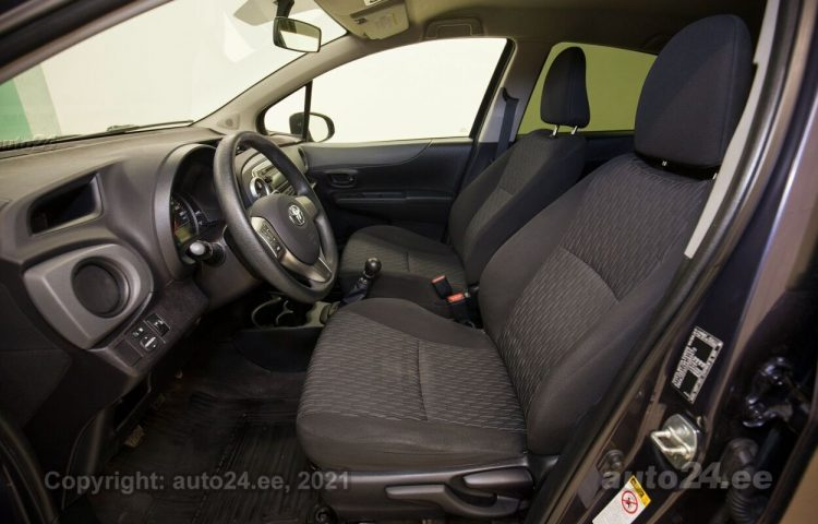 Osta kasutatud Toyota Yaris 1.3  73 kW  värv  Tallinnas